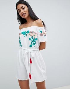Платье с открытыми плечами и цветочной вышивкой ASOS DESIGN - Белый