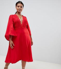 Приталенное платье миди с кружевом John Zack Plus - Красный