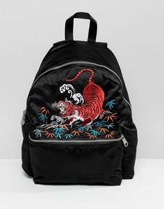 Уплотненный рюкзак Eastpak - Черный
