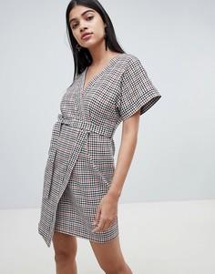 Платье мини в клетку с запахом и рукавами кимоно ASOS DESIGN - Мульти