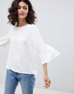 Блузка с расклешенными рукавами Just Female Garner - Белый