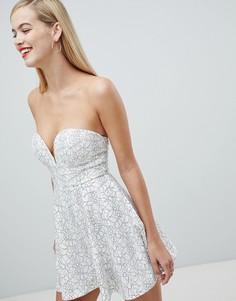 Кружевное приталенное платье со свободной юбкой Rare - Белый