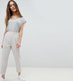 Зауженные брюки с завышенной талией ASOS DESIGN Petite - Серый