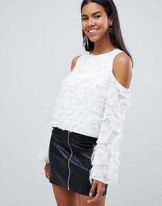 Блузка с бахромой и вырезами на плечах Rare - Белый