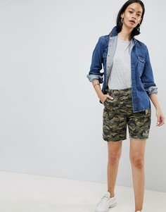 Камуфляжные шорты-карго с необработанными краями ASOS DESIGN - Мульти