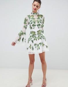 Короткое приталенное платье с цветочной вышивкой ASOS EDITION - Зеленый