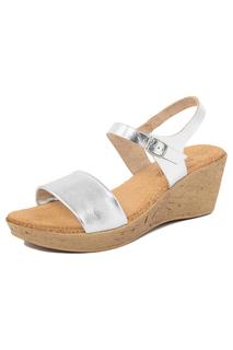 platform sandals LIONELLAEFFE