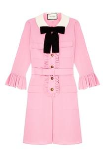 Розовое платье с рюшами Gucci