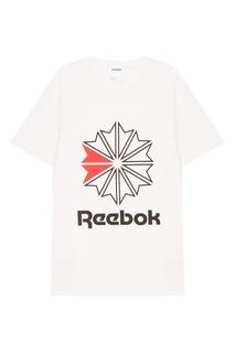 Белая футболка с логотипом Reebok