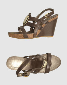 Обувь на танкетке Apepazza