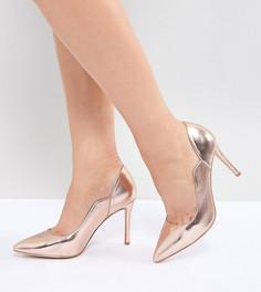 Золотистые туфли на каблуке с острым носком Faith Wide Fit Cassandra - Золотой