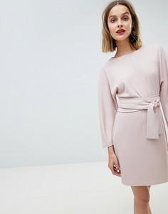 Платье-кимоно мини с запахом и поясом Lost Ink - Розовый