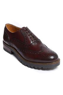 Low shoes British passport