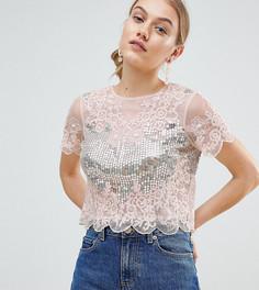 Розовая футболка с кружевной отделкой и пайетками ASOS DESIGN Petite - Розовый