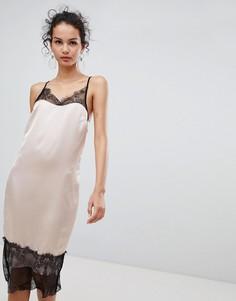 Платье на бретельках с кружевной отделкой Glamorous - Мульти