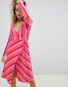 Платье миди в полоску с запахом Boohoo - Мульти