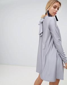 Платье с длинными рукавами Glamorous - Серый