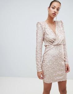Платье с V-образным вырезом, запахом и пайетками Forever Unique - Розовый