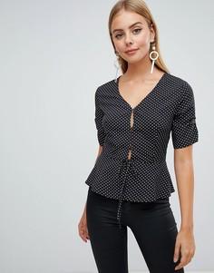 Блузка в горошек на пуговицах PrettyLittleThing - Черный