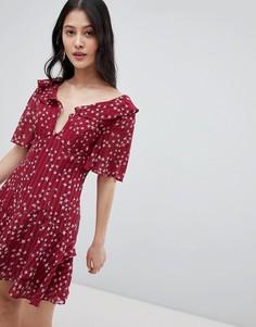 Платье мини с глубоким вырезом и принтом звезд Finders - Красный