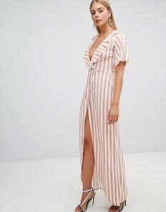 Платье макси в полоску с запахом PrettyLittleThing - Светло-бежевый