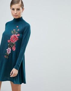 Свободное платье с длинными рукавами и вышивкой AX Paris - Мульти
