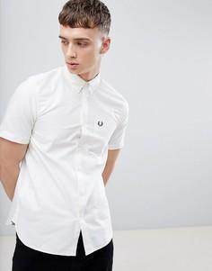 Белая оксфордская рубашка с короткими рукавами Fred Perry - Белый