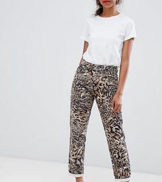 Джинсы из жесткого и плотного денима в винтажном стиле с леопардовым принтом ASOS DESIGN Petite Ritson - Мульти