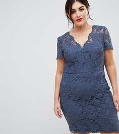 Кружевное платье-футляр с запахом Chi Chi London Plus - Синий