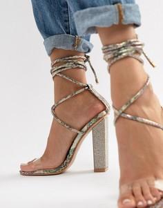 Босоножки на каблуке с эффектом змеиной кожи и завязками Simmi London Karla - Мульти