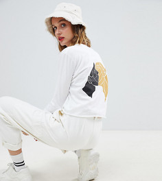 Укороченная футболка с длинными рукавами и принтом на спине Reclaimed Vintage - Белый