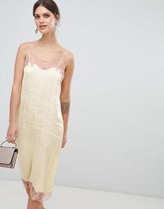 Мягкое жаккардовое платье-комбинация с кружевными вставками ASOS DESIGN - Желтый