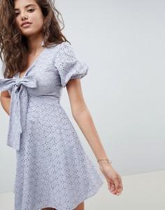 Платье мини молодежного стиля с вышивкой ришелье ASOS DESIGN - Синий