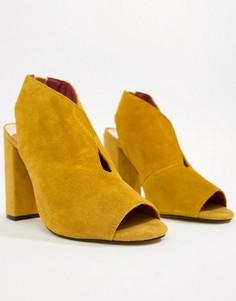 Желтые замшевые туфли на каблуке River Island - Желтый