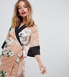 Жаккардовое платье мини с цветочным рисунком и запахом в стиле кимоно ASOS DESIGN Petite - Мульти