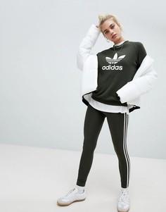 Леггинсы цвета хаки с тремя полосками Adidas Originals - Зеленый
