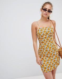 Платье на бретелях с цветочным принтом Glamorous - Кремовый