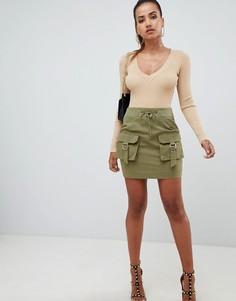 Мини-юбка цвета хаки с карманами карго PrettyLittleThing - Зеленый