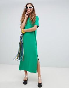 Платье-футболка миди с разрезом Monki - Зеленый