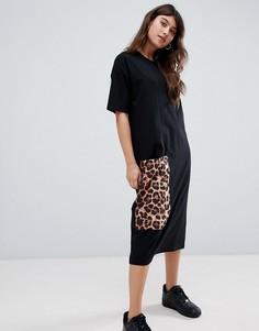 Платье-футболка миди с леопардовым принтом на кармане ASOS DESIGN - Черный