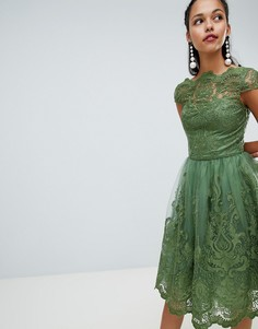 Премиум-платье миди с кружевом и короткими рукавами Chi Chi London - Зеленый