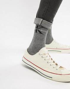 Носки с броским логотипом Calvin Klein Jeans - Серый