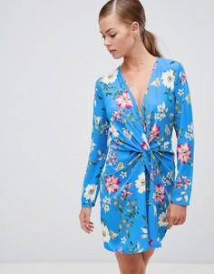 Короткое приталенное платье с цветочным принтом с перекрученной отделкой Boohoo - Мульти