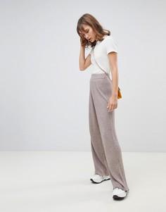 Серо-коричневые трикотажные брюки с широкими штанинами River Island - Кремовый