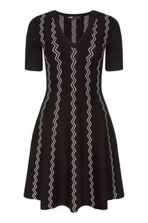 Черное платье с контрастной отделкой Maje