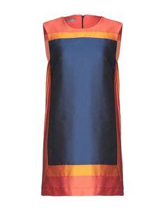 Короткое платье Background
