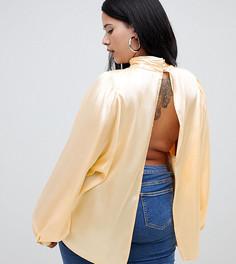 Блузка с высоким воротом и открытой спиной ASOS DESIGN Curve - Кремовый