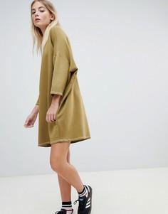 Платье-футболка в стиле oversize с контрастной строчкой Pull&bear - Зеленый
