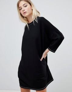 Платье-футболка в стиле oversize с контрастной строчкой Pull&bear - Черный