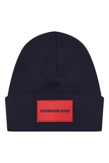 Синяя шапка с логотипом Calvin Klein